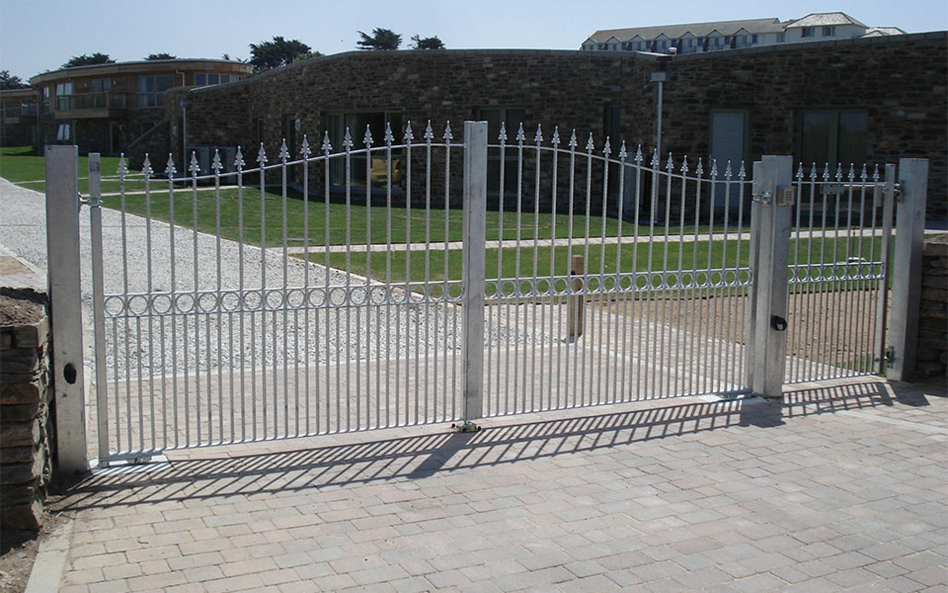 Metal gate (Courtesy of South West Automation Systems)