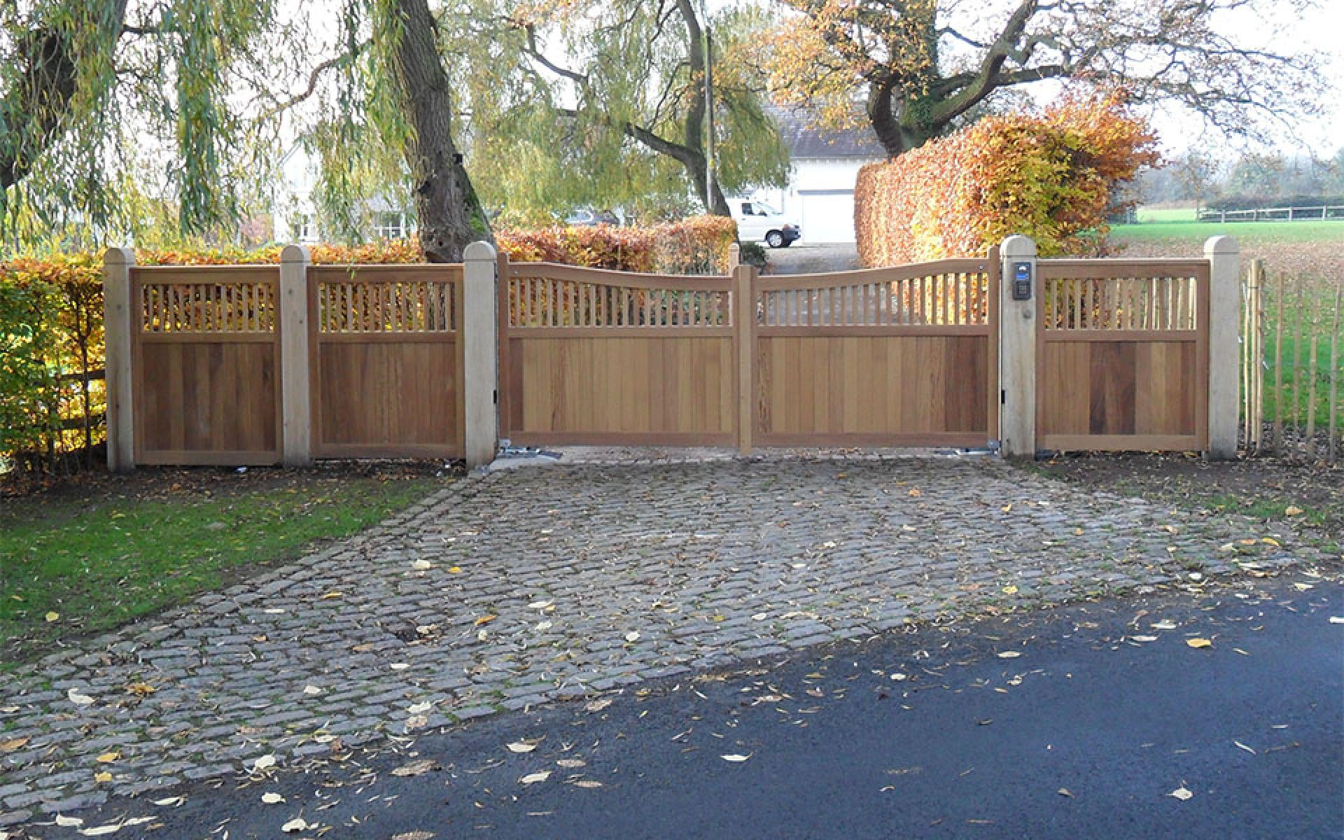 Alderley Edge & pedestrian wooden gate (Courtesy of Automation Gates)