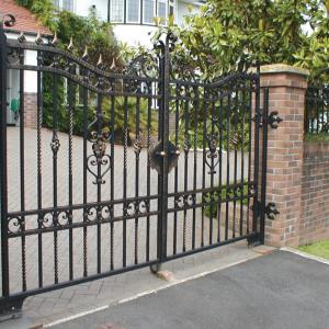 Trevorrick wrought iron gate with underground automation