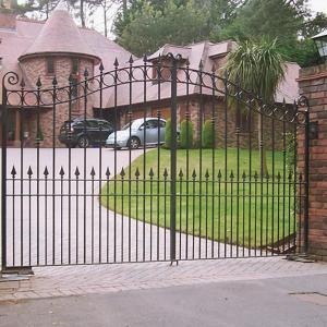 Turret wrought iron driveway gate