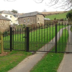 Fryer wrought iron gate (Courtesy of A1 Gates & Securities)